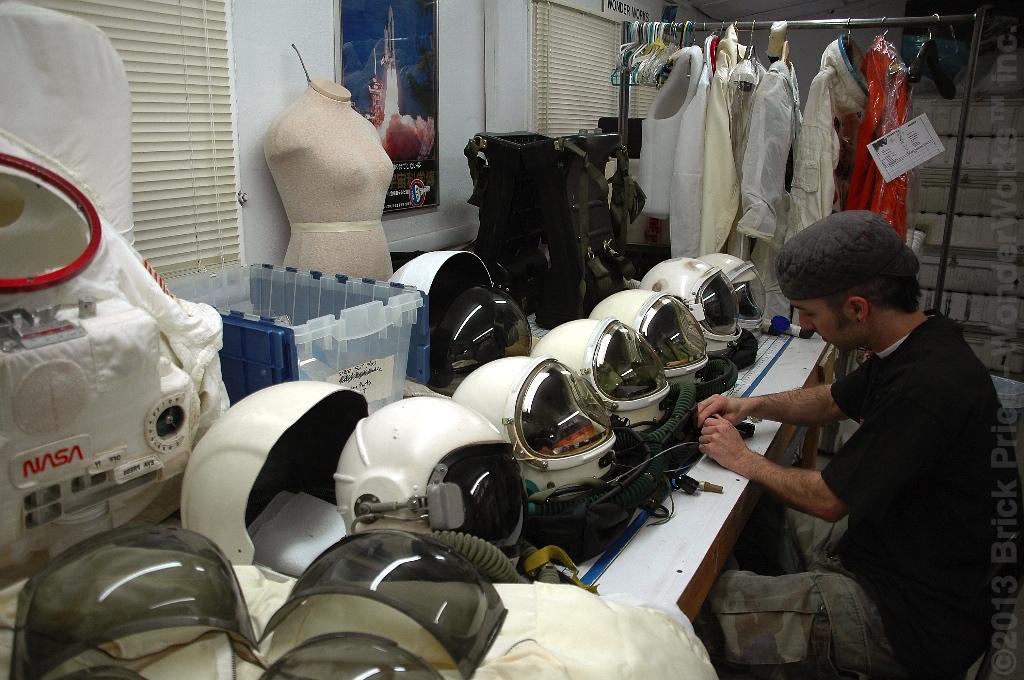 apollo 13 astronaut helmet - photo #13