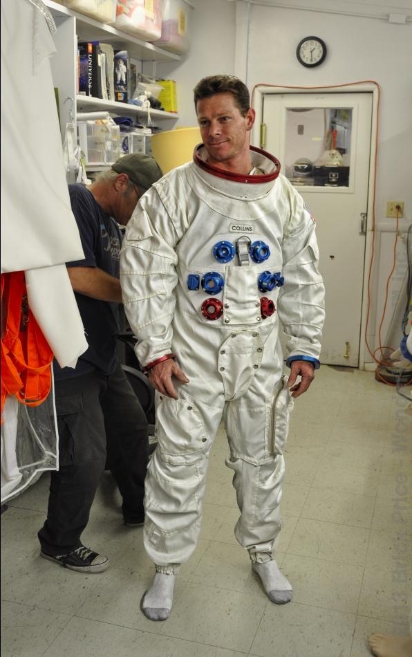 apollo space suit rental - photo #4